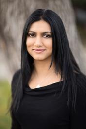 W.O.W. – Writer Odyssey Wednesday with Sabaa Tahir